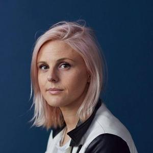 Robyn Exton, Founder of Her app for Lesbians, Presenting at Disrupt NY