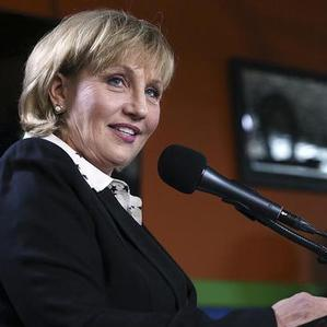 Guadagno sticks to business in talk to LGBT Chamber of Commerce